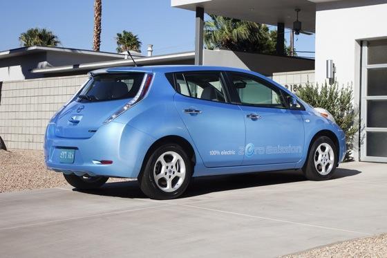 2012 nissan leaf new car review autotrader. Black Bedroom Furniture Sets. Home Design Ideas