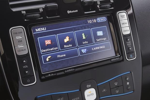 2013 nissan leaf new car review autotrader. Black Bedroom Furniture Sets. Home Design Ideas