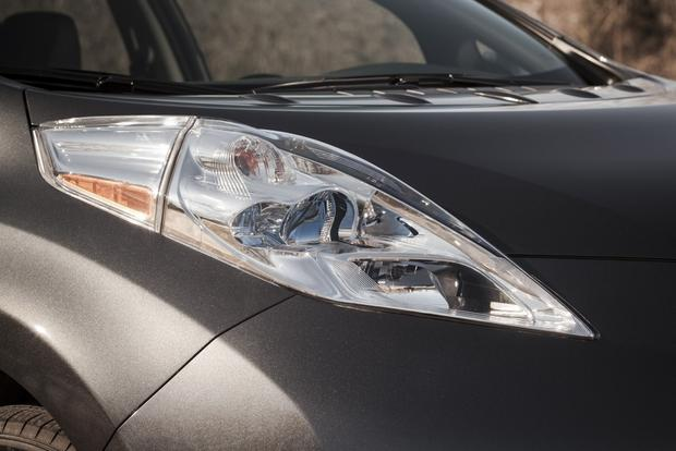 2013 Nissan Leaf: New Car Review featured image large thumb4