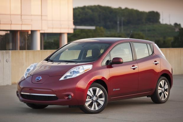2014 nissan leaf vs 2014 chevrolet volt which is better. Black Bedroom Furniture Sets. Home Design Ideas