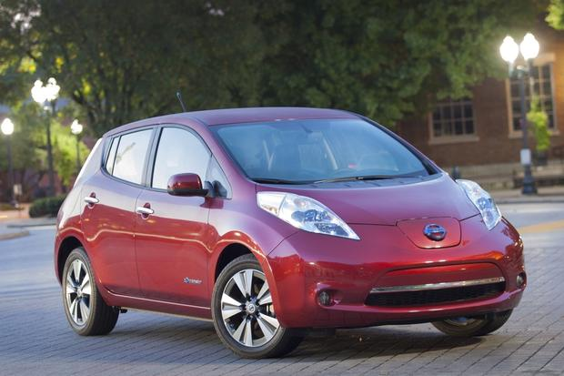 2014 Nissan Leaf vs. 2014 Chevrolet Volt: Which Is Better? featured image large thumb10