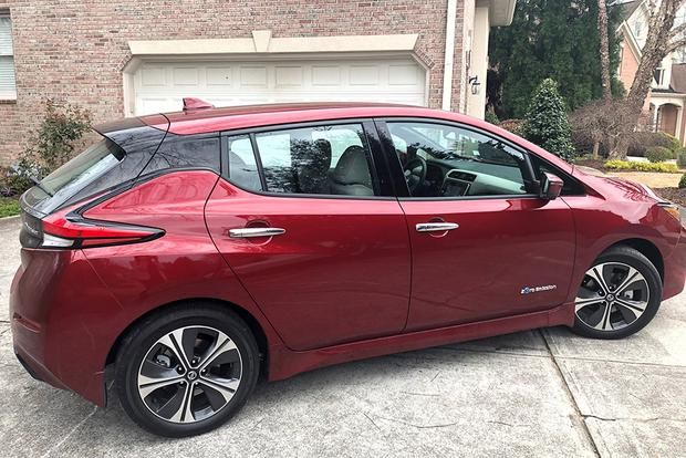 2018 Nissan Leaf Ownership: New vs. Old featured image large thumb3