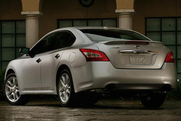 2009 Nissan Maxima: Used Car Review featured image large thumb5