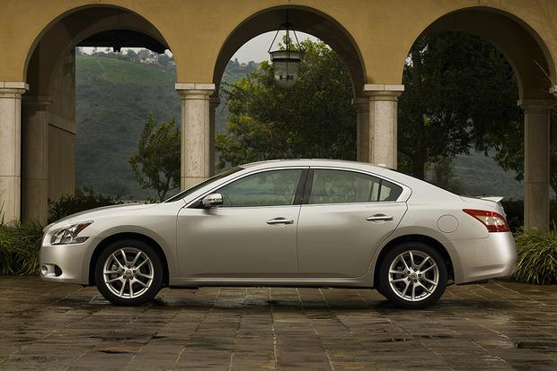 2011 Nissan Maxima: Used Car Review featured image large thumb3