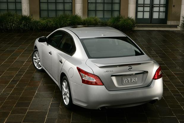 2011 Nissan Maxima: Used Car Review featured image large thumb4