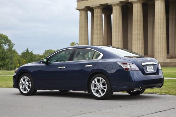 2012 Nissan Maxima: New Car Review featured image large thumb3