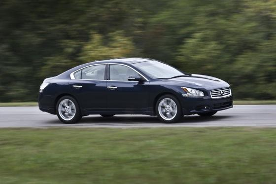 2012 Nissan Maxima: New Car Review featured image large thumb4