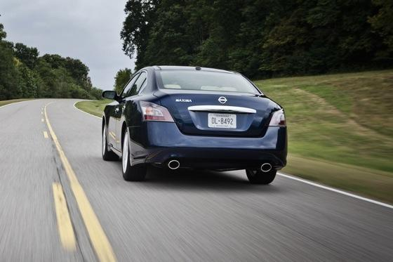2012 Nissan Maxima: New Car Review featured image large thumb8