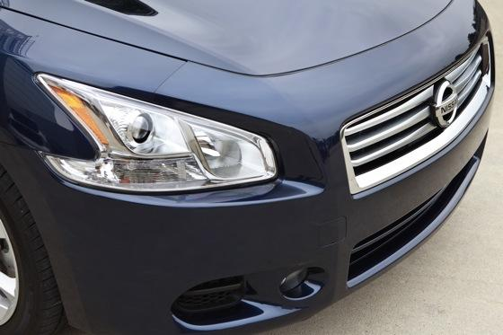 2012 Nissan Maxima: New Car Review featured image large thumb12