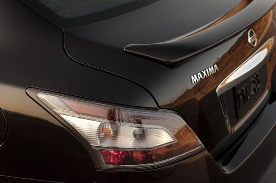 2012 Nissan Maxima: New Car Review featured image large thumb15
