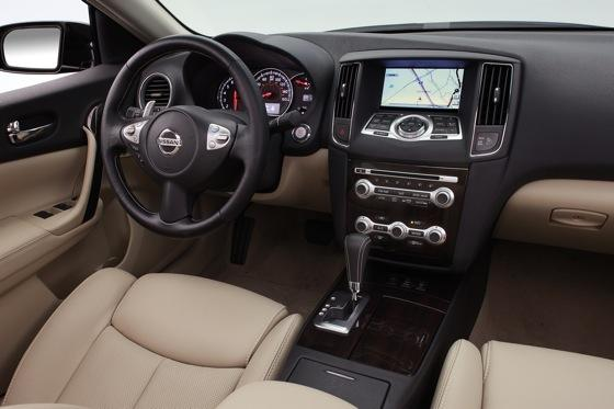 2012 Nissan Maxima: New Car Review featured image large thumb19