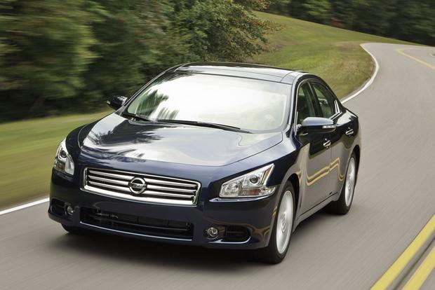 2012 Nissan Maxima: Used Car Review featured image large thumb3