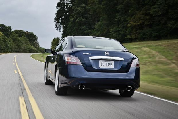 2014 Nissan Maxima: New Car Review featured image large thumb3