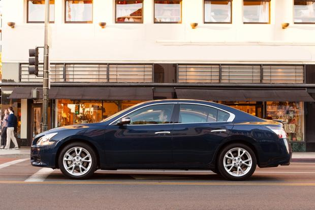 2014 Nissan Maxima: New Car Review featured image large thumb2