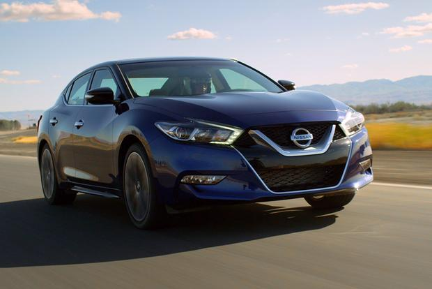 2014 vs. 2016 Nissan Maxima: What's the Difference? featured image large thumb0