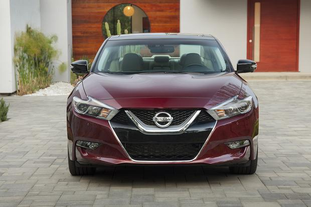 2014 vs. 2016 Nissan Maxima: What's the Difference? featured image large thumb8