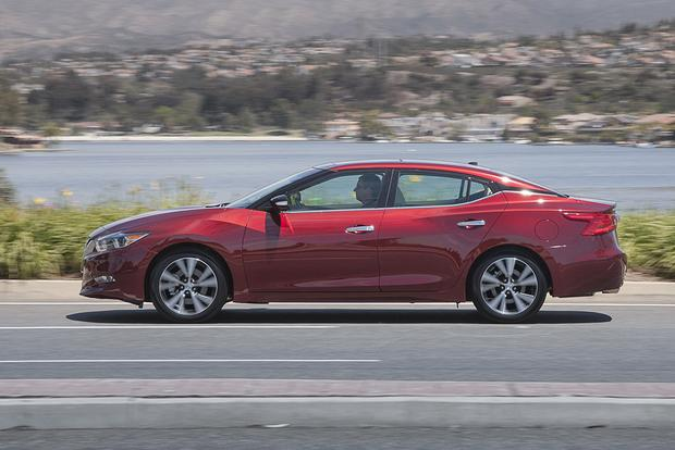 2014 vs. 2016 Nissan Maxima: What's the Difference? featured image large thumb10
