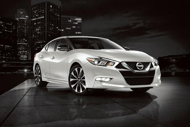 New Nissan Maxima >> 2017 Nissan Maxima New Car Review Autotrader