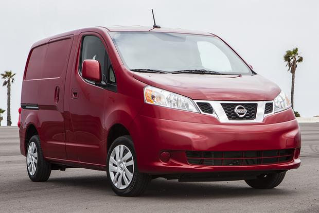 2015 Nissan NV200: New Car Review featured image large thumb2