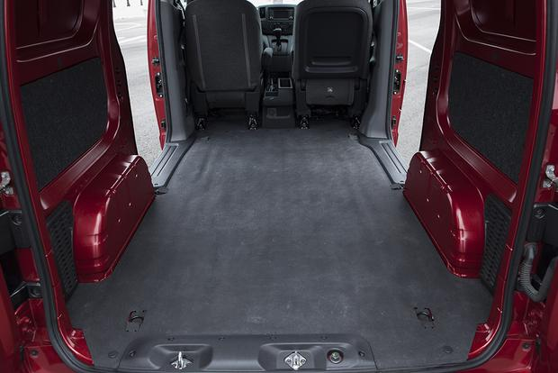 2015 Nissan NV200: New Car Review featured image large thumb3