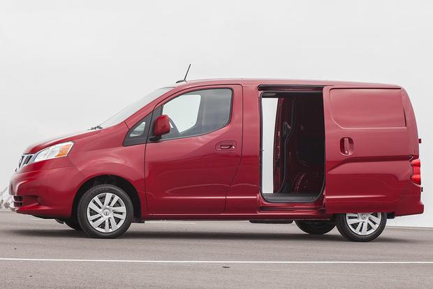 2015 Nissan NV200: New Car Review featured image large thumb5