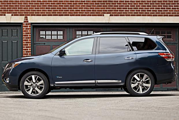 Used 2014 Nissan Pathfinder SL, with snows on rims 4 Door Sport ...