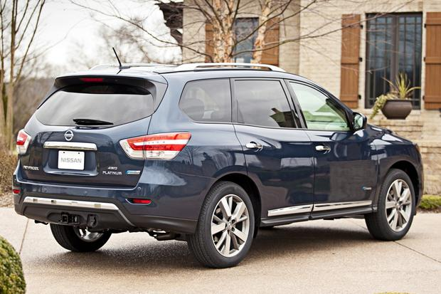 2014 Nissan Pathfinder Hybrid: New Car Review featured image large thumb1