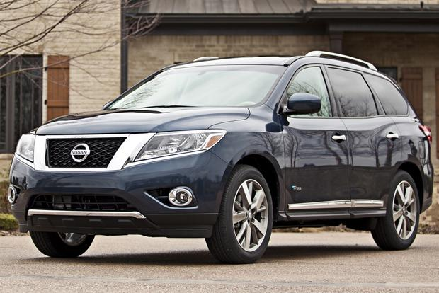 2017 Nissan Pathfinder Hybrid New Car Review Featured Image Large Thumb4