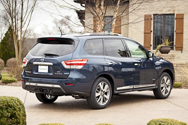 2014 Nissan Pathfinder vs. 2014 Ford Explorer: Which Is Better? featured image large thumb11