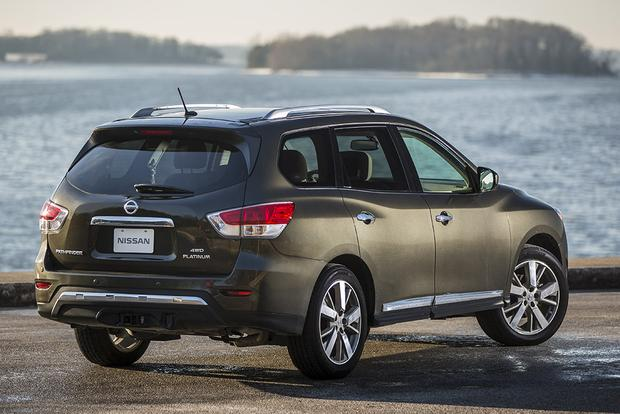 2016 Vs 2017 Nissan Pathfinder What S The Difference Autotrader