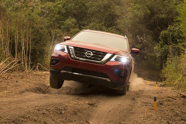 2017 Nissan Pathfinder New Car Review Featured Image Large Thumb2