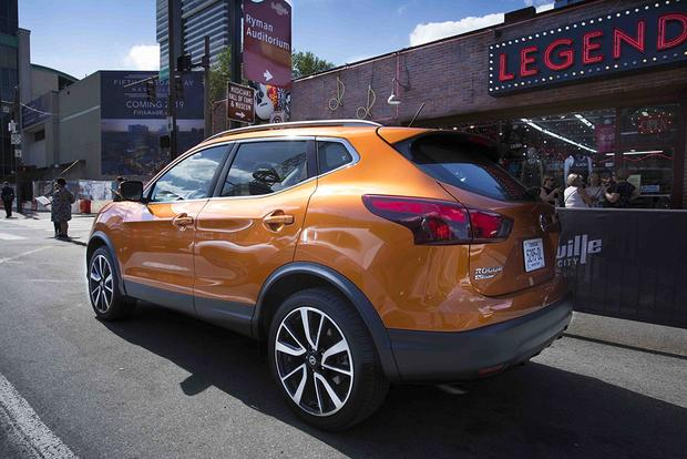 2017 Nissan Rogue Sport vs. 2017 Honda HR-V: Which Is Better? featured image large thumb7