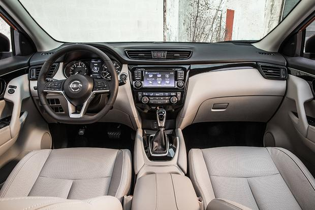 2017 Nissan Rogue Sport vs. 2017 Honda HR-V: Which Is Better? featured image large thumb5