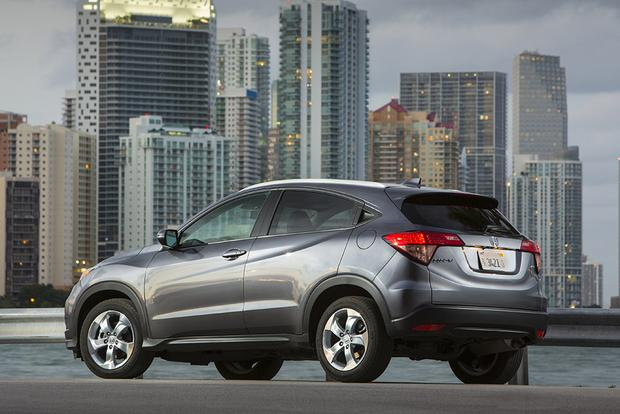 2017 Nissan Rogue Sport vs. 2017 Honda HR-V: Which Is Better? featured image large thumb8