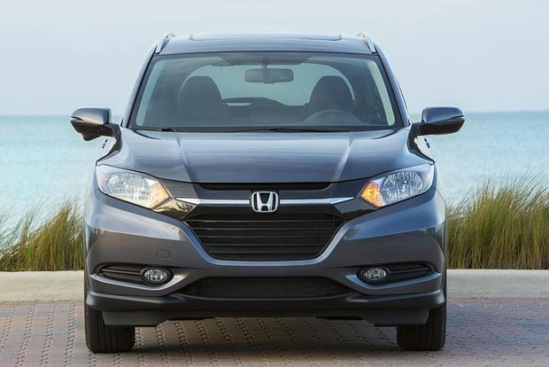 2017 Nissan Rogue Sport vs. 2017 Honda HR-V: Which Is Better? featured image large thumb10