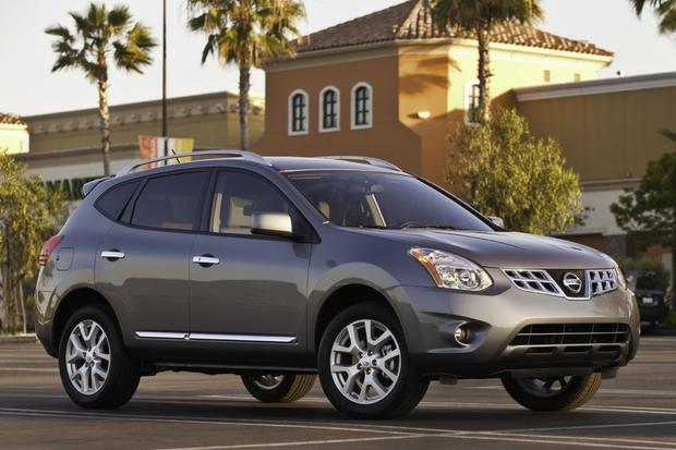 2013 Nissan Rogue: OEM Image Gallery featured image large thumb0
