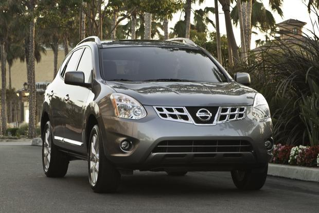 2013 Nissan Rogue: OEM Image Gallery featured image large thumb1