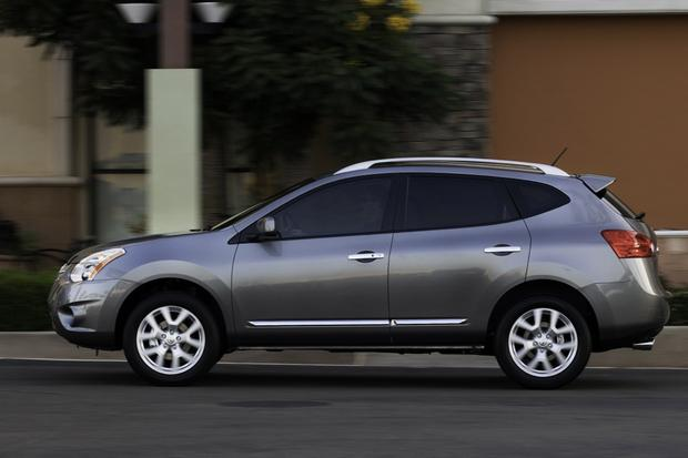 2013 Nissan Rogue: OEM Image Gallery featured image large thumb3