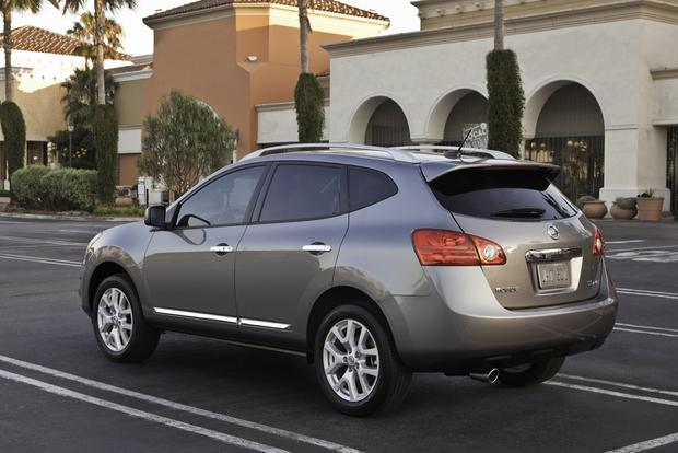 2013 Nissan Rogue: OEM Image Gallery featured image large thumb4