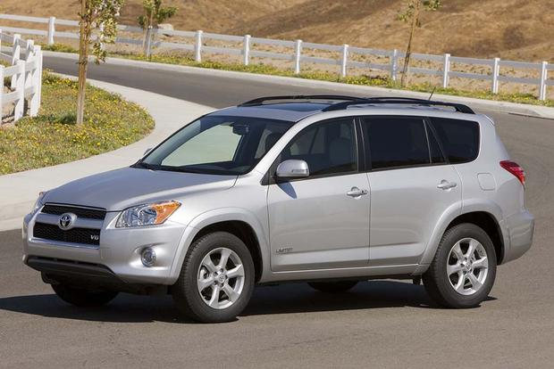 2006-2012 Toyota RAV4 vs. 2008-2013 Nissan Rogue: Which Is Better? featured image large thumb1