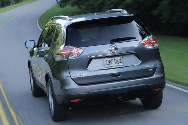 2015 Nissan Rogue: New Car Review featured image large thumb0