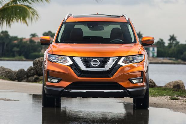 2017 Nissan Rogue: New Car Review featured image large thumb2