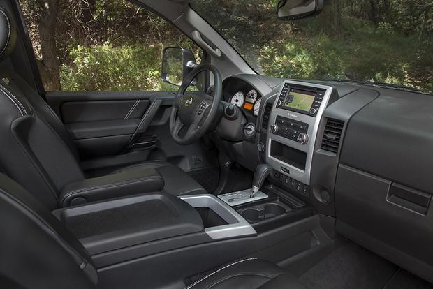 2015 Nissan Titan: New Car Review featured image large thumb3