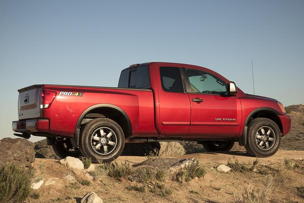 2015 Nissan Titan: New Car Review featured image large thumb4