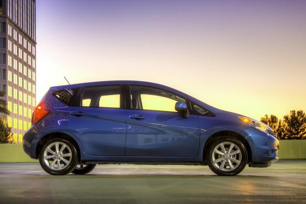 2014 nissan versa note first drive review autotrader. Black Bedroom Furniture Sets. Home Design Ideas