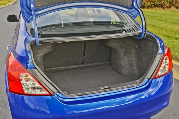 2014 Nissan Versa: New Car Review featured image large thumb4