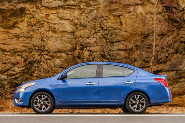 2015 Nissan Versa: New Car Review featured image large thumb2