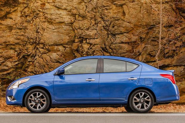 2016 Nissan Versa: New Car Review featured image large thumb2