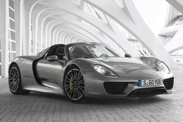2015 porsche 918 spyder overview featured image large thumb0 - Porsche 918 Spyder 2015