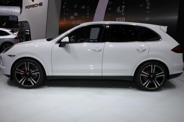 2014 Porsche Cayenne Turbo S: Detroit Auto Show featured image large thumb3